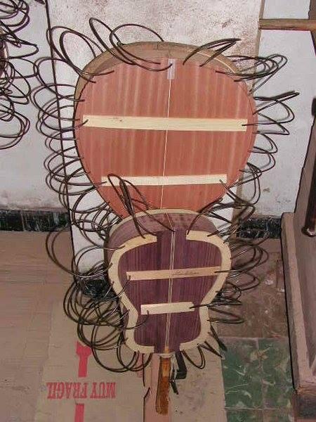 http://guitarrasquiles.com/images/Produccion/2.jpg