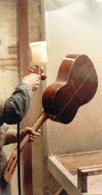 http://guitarrasquiles.com/images/Produccion/l1.jpg