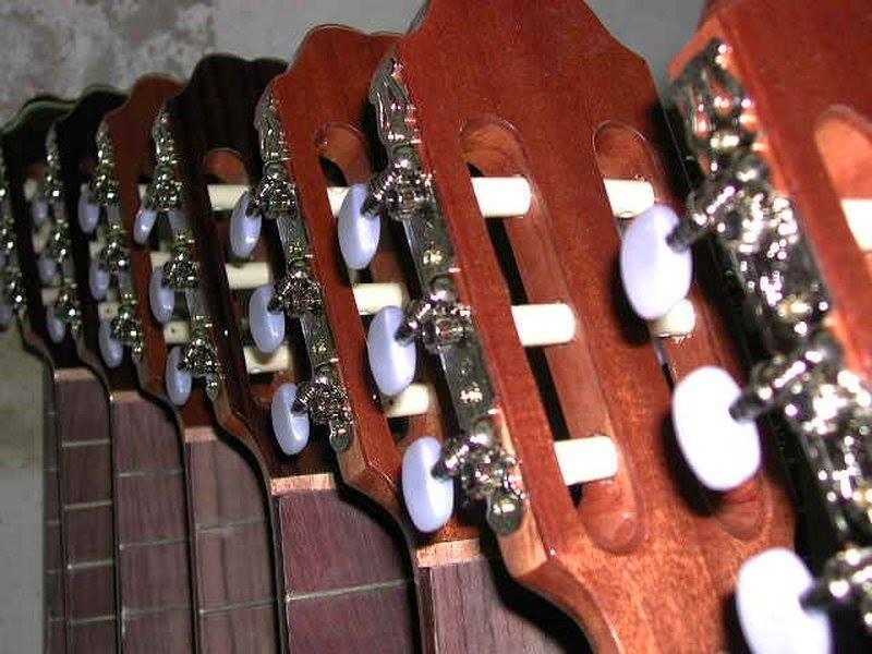 https://guitarrasquiles.com/images/Produccion/6.jpg